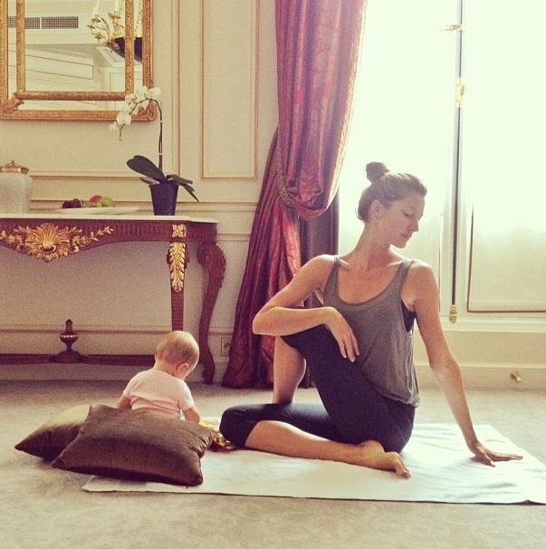 Gisele-Bundchen-does-yoga-with-baby-Vivian-shares-photo