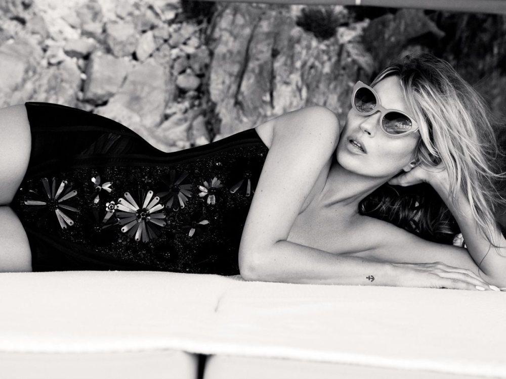 Kate_Moss_Vogue_UK_June_03