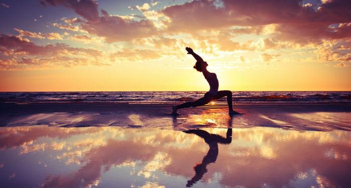 Yogapicwarr-700x375